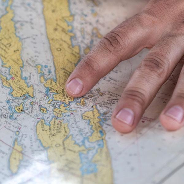 地図を広げて